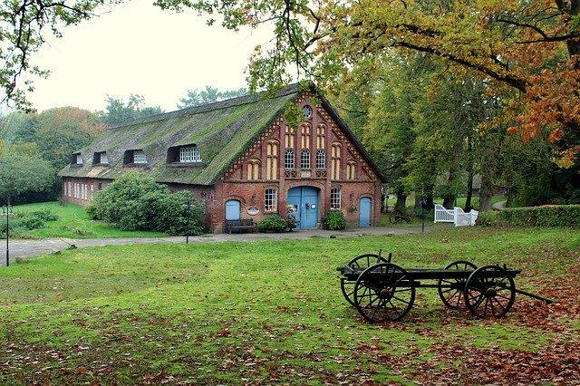 farmhouse with 1000 gallon tank
